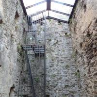 Tour Carrée de Colombières rénovée : le mur Nord vu de l'intérieur