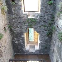Tour Carrée de Colombières rénovée : le mur Sud vu de l'intérieur