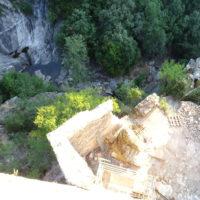 Tour Carrée de Colombières : vue plongeante depuis le sommet, côté Est